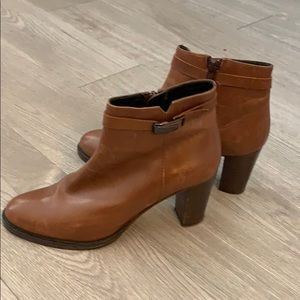 Italian brown boots in great condition